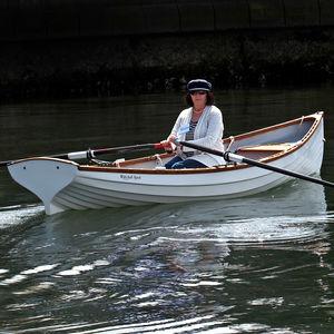 barco de remo clásico / de regata / skiff