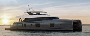 yate a motor catamarán a motor / de crucero / con fly / de material compuesto