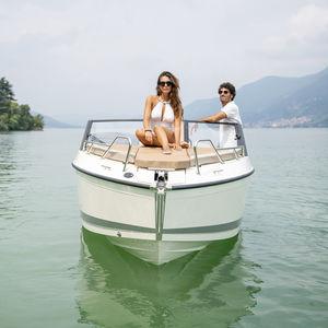 day-cruiser fueraborda / open / 6 personas máx. / con 2 literas
