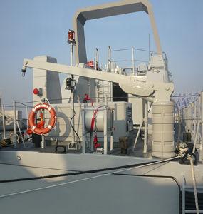 pescante para barco / para yate / hidráulico / pivotante