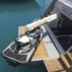 pescante para yate / hidráulico / abatible / telescópico