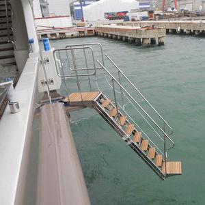 escalera para barco / lateral / de embarque / hidráulica