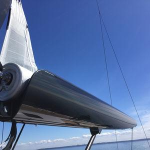 botavara para sailing-yacht / enrollador / a medida / de carbono