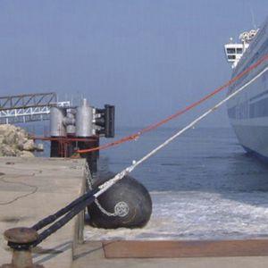 defensa para puerto / para terminal portuaria / para buque / de muelle