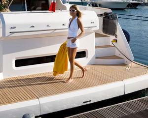 plataforma para barco / para yate / multifunción / a medida