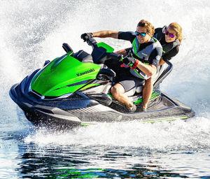moto de agua biplaza