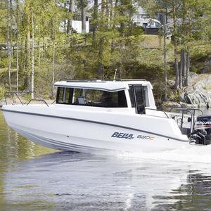 day-cruiser fueraborda / con cockpit cerrado / de pesca deportiva / 7 personas máx.