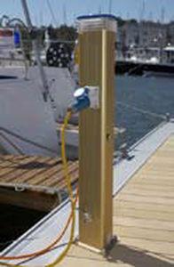 torreta con iluminación integrada / de suministro eléctrico / de suministro de agua / para pantalán