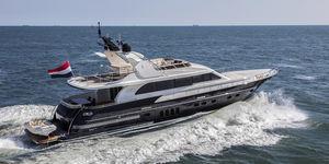 yate a motor de crucero / con fly / IPS / de aluminio