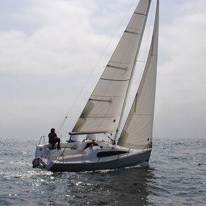 monocasco / de crucero / clásico / daysailer