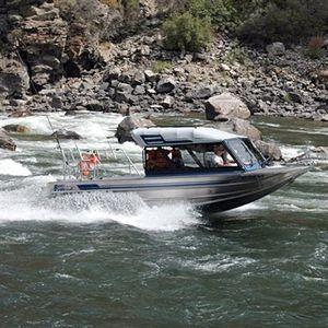 barco de motor de pesca-paseo hidrojet / con caseta de timón / de aluminio