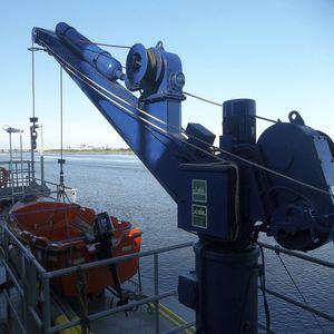 pescante para buque / hidráulico / pivotante