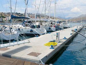 pantalán modular / de amarra / para puerto deportivo / de hormigón