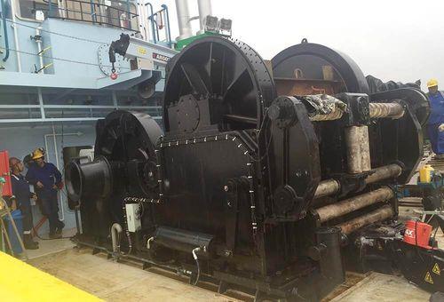 chigre para buque / para remolcador / de remolcado / motor eléctrico