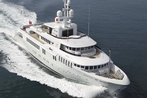 megayate de crucero / expedición / raised pilothouse / de acero