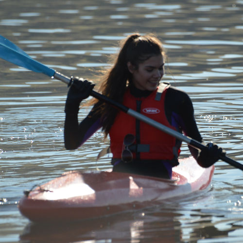 kayak sit-on-top / rígido / de recreo / de travesía