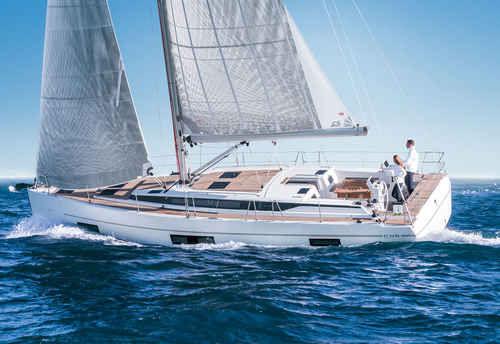 yate de vela de crucero / con popa abierta / con deck saloon / con 6 camarotes