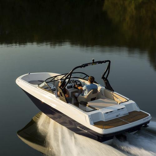runabout intraborda / con doble consola / bow-rider / de pesca deportiva