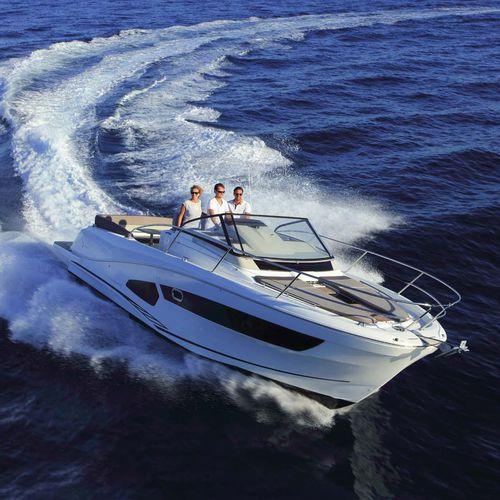 barco cabinado fueraborda / bimotor / open / con doble consola