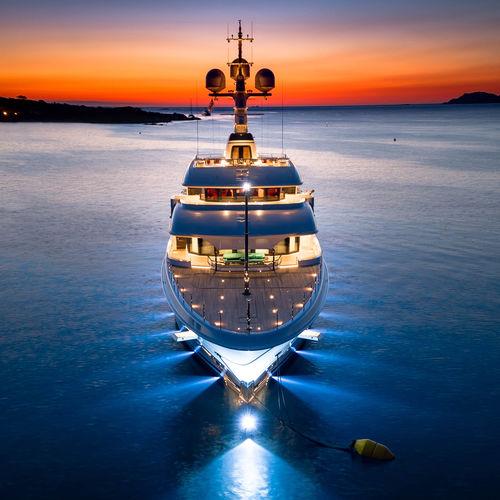 megayate de crucero