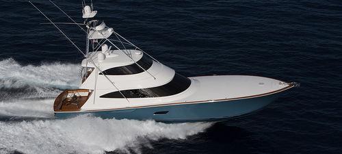 yate a motor de pesca deportiva / convertible / con fly cerrado / de desplazamiento