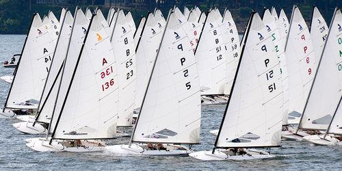 monocasco / velero de quilla deportivo / monotipo / cat boat