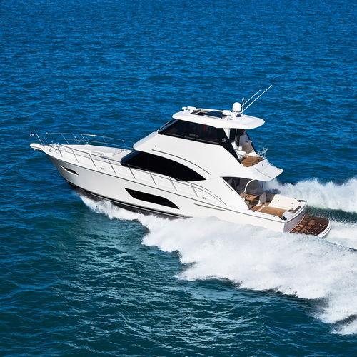 yate a motor de crucero / offshore / de pesca deportiva / con fly cerrado