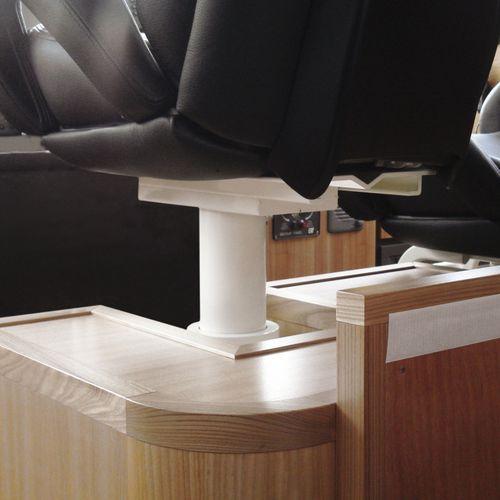pie para asiento piloto para barco / ajustable / eléctrico / de metal