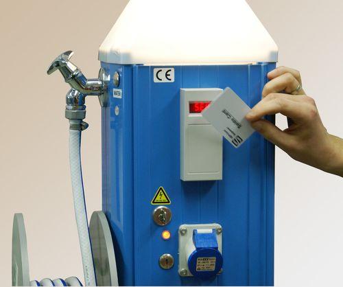 sistema de pago con tarjeta para punto de suministro para pantalán