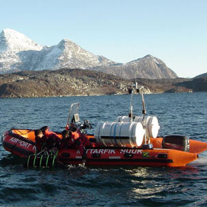 barco de trabajo / fueraborda / embarcación neumática semirrígida