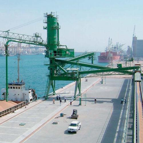 descargador de buque continuo / neumático / sobre carril