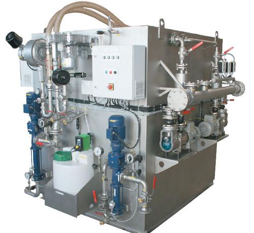 sistema de tratamiento aguas residuales / para buque / de membrana / biológico