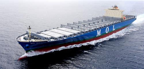 buque de carga portacontenedores / post-panamax