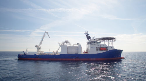 buque especial cablero