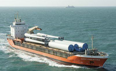 buque multiusos