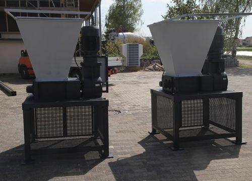 trituradora de residuos de plástico / para buque