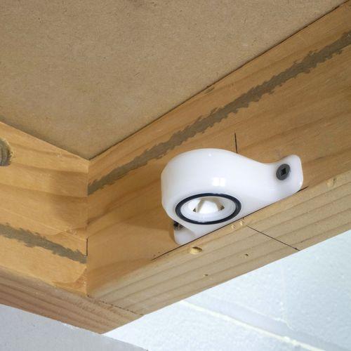sistema de fijación de paneles para yate