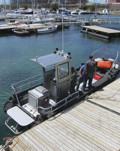barco profesional embarcación de servicio offshore