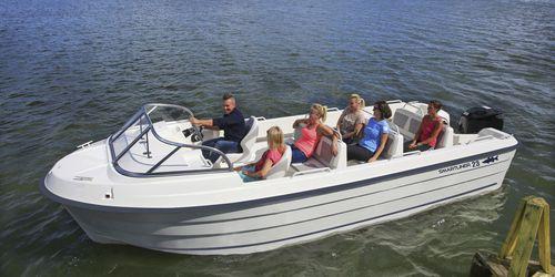 barco turístico / fueraborda