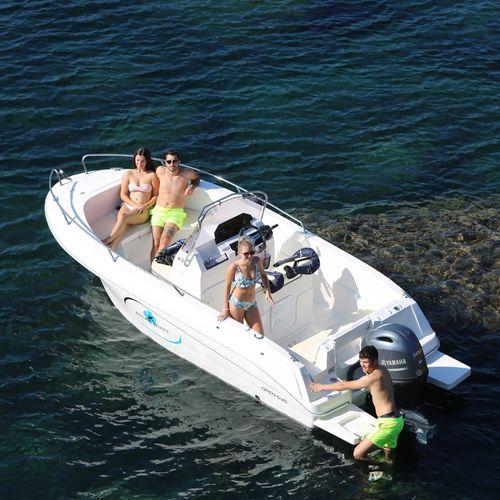 barco open fueraborda / con consola central / open / 6 personas máx.
