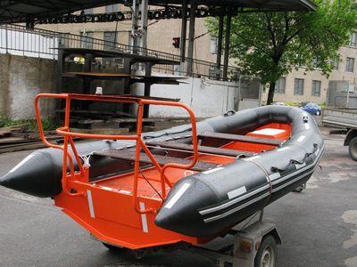 barco de salvamento / fueraborda / embarcación neumática semirrígida
