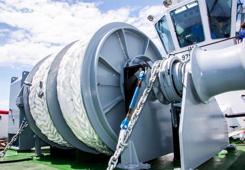 chigre para buque / de amarra / con motor hidráulico / motor eléctrico
