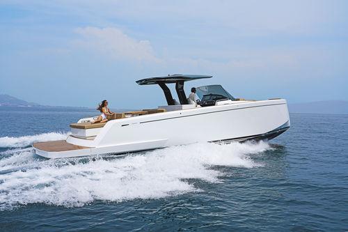 barco cabinado intraborda / diésel / bimotor / con doble consola