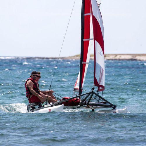 catamarán deportivo de recreo