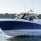 barco cabinado fueraborda / bimotor / con hard-top / bow-rider