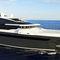 megayate de crucero / raised pilothouse