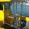barco de pesca-crucero catamarán / fueraborda / bimotor / con cockpit cerrado