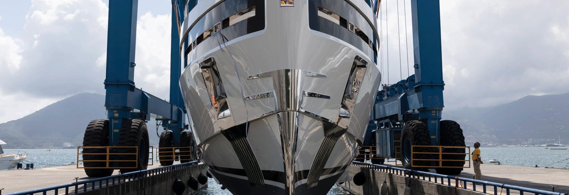 Baglietto lanza un casco de yate de 40 metros 10232