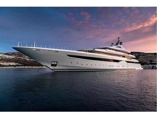 A bordo de O'Pari: el nuevo superyate insignia de 95 metros de Golden Yachts